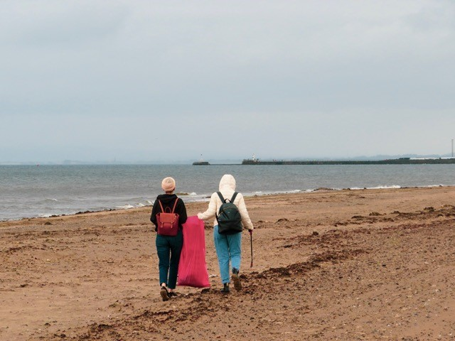 ayr-beach-clean